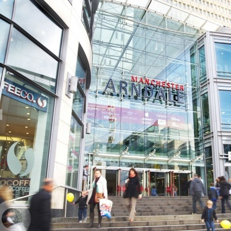 Manchester's Arndale centre is evacuated amid bomb scare
