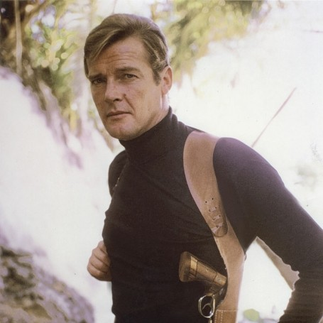Brilliant Roger Moore pictures that will make you smile