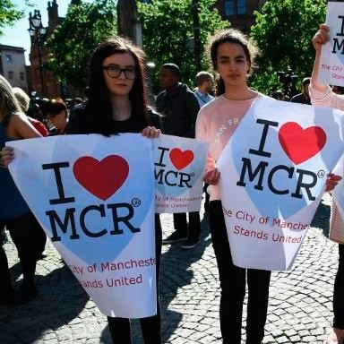 15 moving pictures from the Manchester vigil