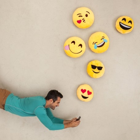 The surprising reason you should always use emojis when texting your partner