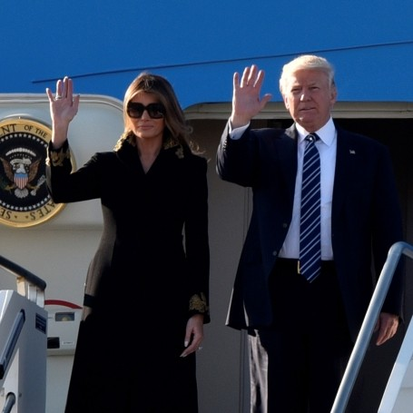 Melania Trump still doesn't want to hold her husband's hand