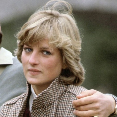 Princess Diana reveals suicide attempt and recounts Charles infidelity