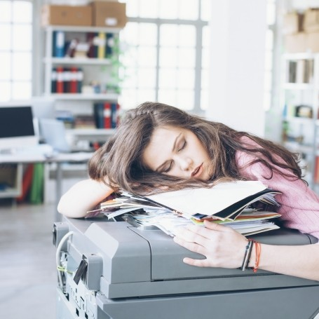 Attention bosses: here's why you should let women nap at work