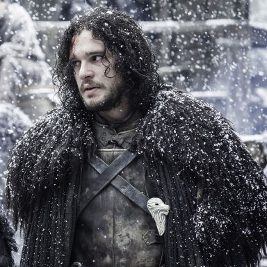 Everybody missed this hilarious detail about Jon Snow's costumes on Game of Thrones
