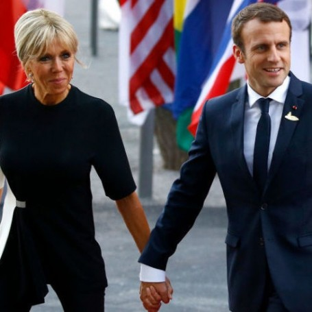 Brigitte Macron will not become an official first lady after petition gains 280,000 signatures