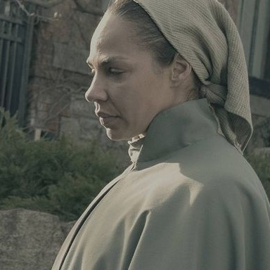 The Handmaid's Tale Season 2 Will Feature A Lot More Of The Marthas