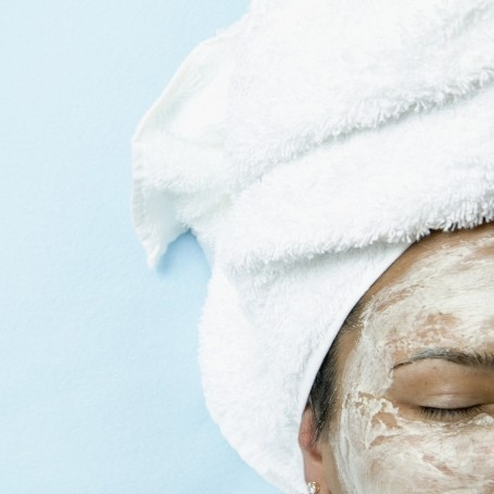 The internet is obsessed with this simple DIY mask for clear, smooth skin