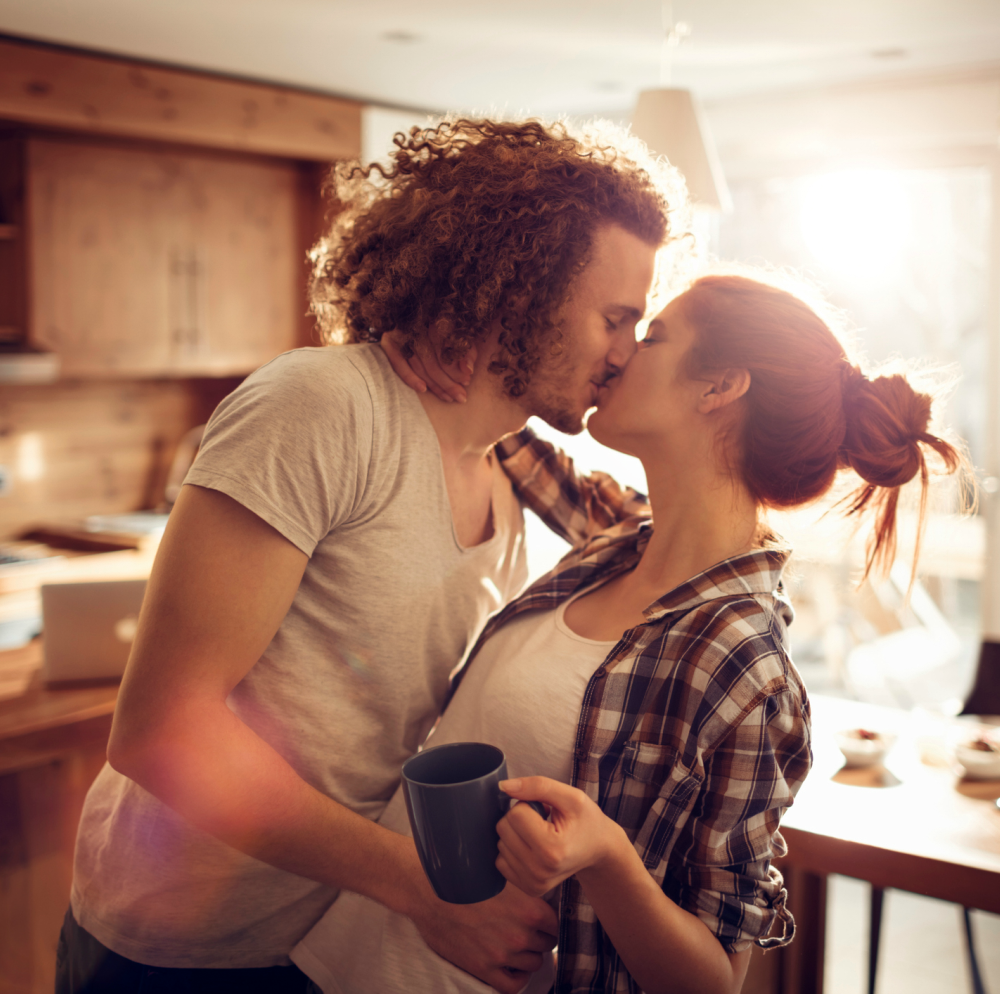 This is the real reason why people like to kiss with