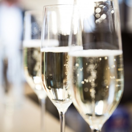 Why the first glass of Champagne poured from a bottle gets you drunker than the rest