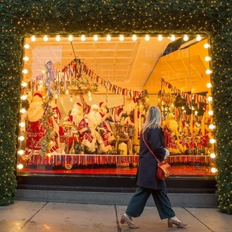 Selfridges has unveiled it's festive window display two months before Christmas
