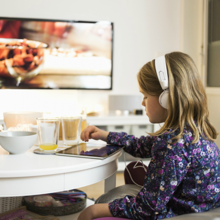 Limiting children's screen time to 90 minutes a day helps prevent obesity, say experts