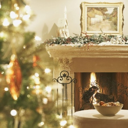 Kelly Hoppen\'s guide to decorating your fireplace for Christmas ...