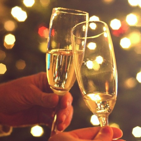 What's the difference between champagne and Prosecco, anyway?