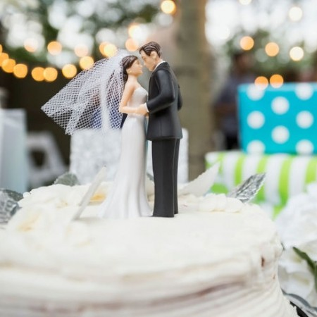 How Much Cash Is Enough As A Wedding Gift