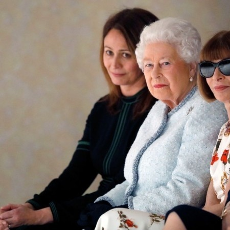 The Queen just sat on the FROW next to Anna Wintour at Fashion Week