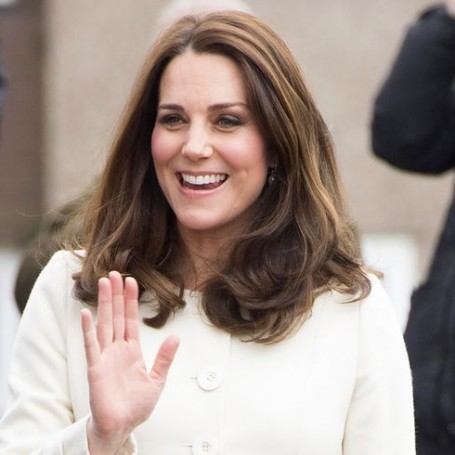 People can't stop obsessing over Kate Middleton's fingers