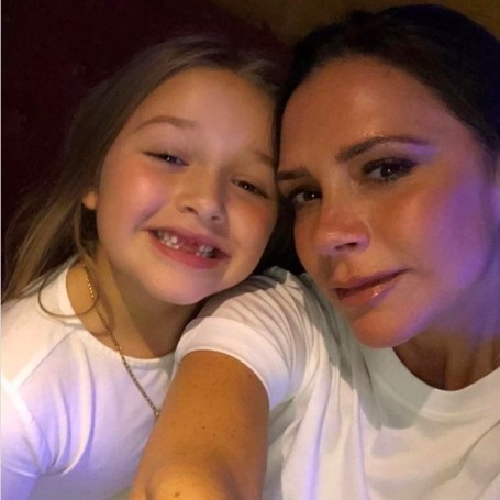 Harper Beckham leaves Victoria her morning coffee and the sweetest note