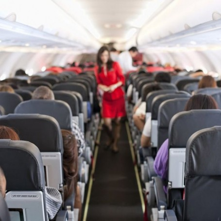 Here's how to avoid getting sick on your next flight