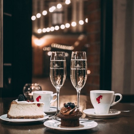 This pudding and prosecco pop-up is everything we've ever dreamed of