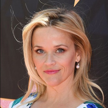 Is this super simple trick how Reese Witherspoon makes 42 look like 25?