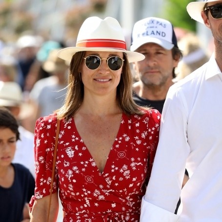 Pippa Middleton steps out in a chic jumpsuit after confirming her pregnancy