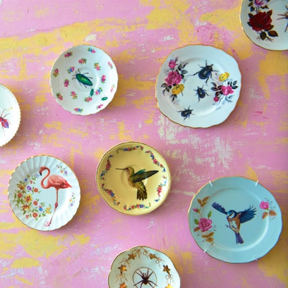 How to decorate plates craft ideas red online for Craft ideas for old dishes